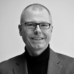 Portrait von Prof. Dr. Dirk Riehle